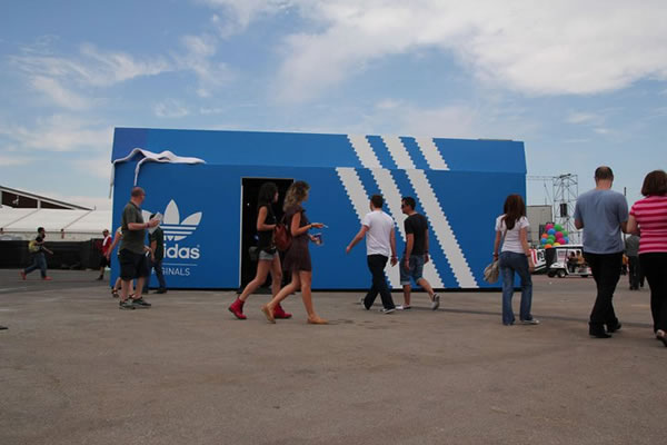 pop-up-store-adidas