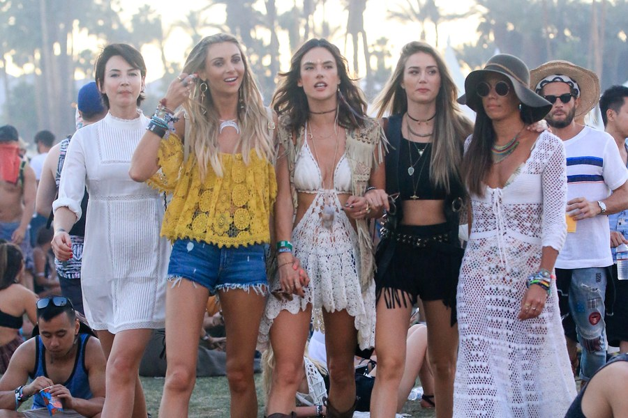 5_LOOKS_FOR_LIVING_COACHELLA_by_chupineta